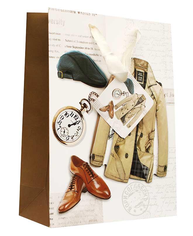 Пакет подарочный Для мужчины, 18 см х 8 см х 24 см1300-SB Пакет Для мужчиныДизайнерский подарочный пакет Для мужчины выполнен из плотной бумаги и оформлен ярким красочным рисунком и аппликацией. Дно изделия укреплено плотным картоном, который позволяет сохранить форму пакета и исключает возможность деформации дна под тяжестью подарка. Для удобной переноски на пакете имеются две атласные ручки. Подарок, преподнесенный в оригинальной упаковке, всегда будет самым эффектным и запоминающимся. Окружите близких людей вниманием и заботой, вручив презент в нарядном, праздничном оформлении.