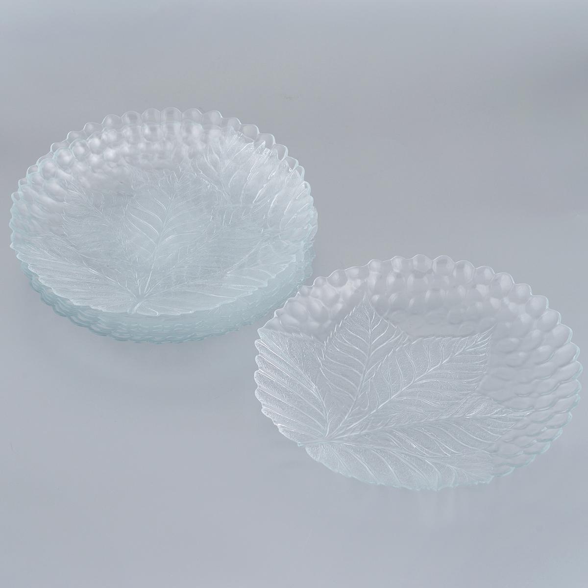 Набор тарелок Pasabahce Sultana, диаметр 24 см, 6 шт10288BНабор Pasabahce Sultana состоит из 6 тарелок, выполненных из закаленного прозрачного стекла и декорированы рельефным узором в виде листьев. Изделия предназначены для красивой сервировки различных блюд. Тарелки сочетают в себе изысканный дизайн с максимальной функциональностью. Оригинальность оформления придется по вкусу и ценителям классики, и тем, кто предпочитает утонченность и изящность. Диаметр тарелок: 24 см. Высота тарелок: 2 см.