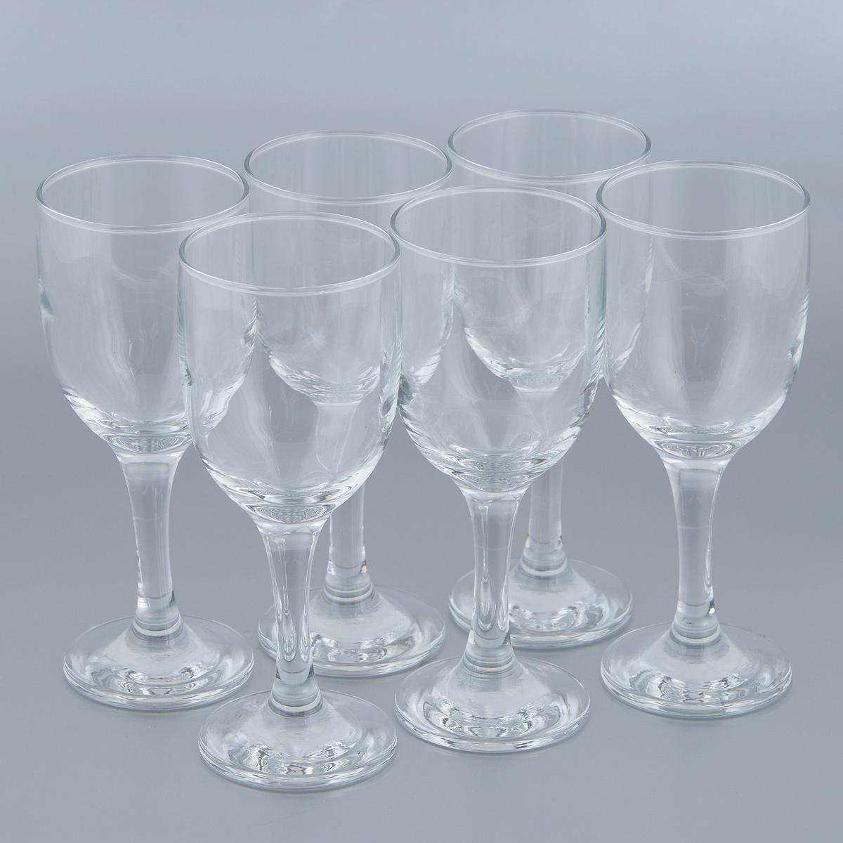 Набор бокалов для белого вина Pasabahce Royal, 243 мл, 6 шт636243Набор Pasabahce Royal состоит из шести бокалов, выполненных из прочного натрий-кальций-силикатного стекла. Бокалы предназначены для подачи белого вина. Они сочетают в себе элегантный дизайн и функциональность. Благодаря такому набору пить напитки будет еще вкуснее. Набор бокалов Pasabahce Royal прекрасно оформит праздничный стол и создаст приятную атмосферу за романтическим ужином. Такой набор также станет хорошим подарком к любому случаю. Можно мыть в посудомоечной машине и использовать в микроволновой печи. Диаметр бокала (по верхнему краю): 6,5 см. Высота бокала: 17,5 см.