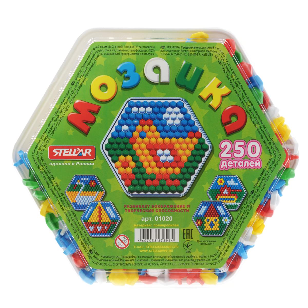 Мозаика Stellar, 250 элементов01020Мозаика Stellar - это яркая и увлекательная развивающая игра. Мозаика включает в себя игровое поле, которое также является контейнером для фишек, и 250 разноцветных выпуклых элементов, при помощи которых ребенок сможет создавать объемные цветные картинки. Для этого ему нужно лишь вставлять фишки в плату, руководствуясь изображениями на коробке или собственной фантазией. Элементы выполнены из полипропилена красного, зеленого, синего, желтого и белого цветов. Эта универсальная мозаика раскрывает перед ребенком неограниченные возможности моделирования и создания собственных шедевров. Оригинальная конструкция платы позволяет легко вставлять и фиксировать фишки, предотвращая их выпадение при переворачивании или переноске собранной картинки. Игры с мозаикой способствуют развитию у малышей мелкой моторики рук, координации движений, внимательности, логического и абстрактного мышления, ориентировку на плоскости, а также воображения и творческих способностей.