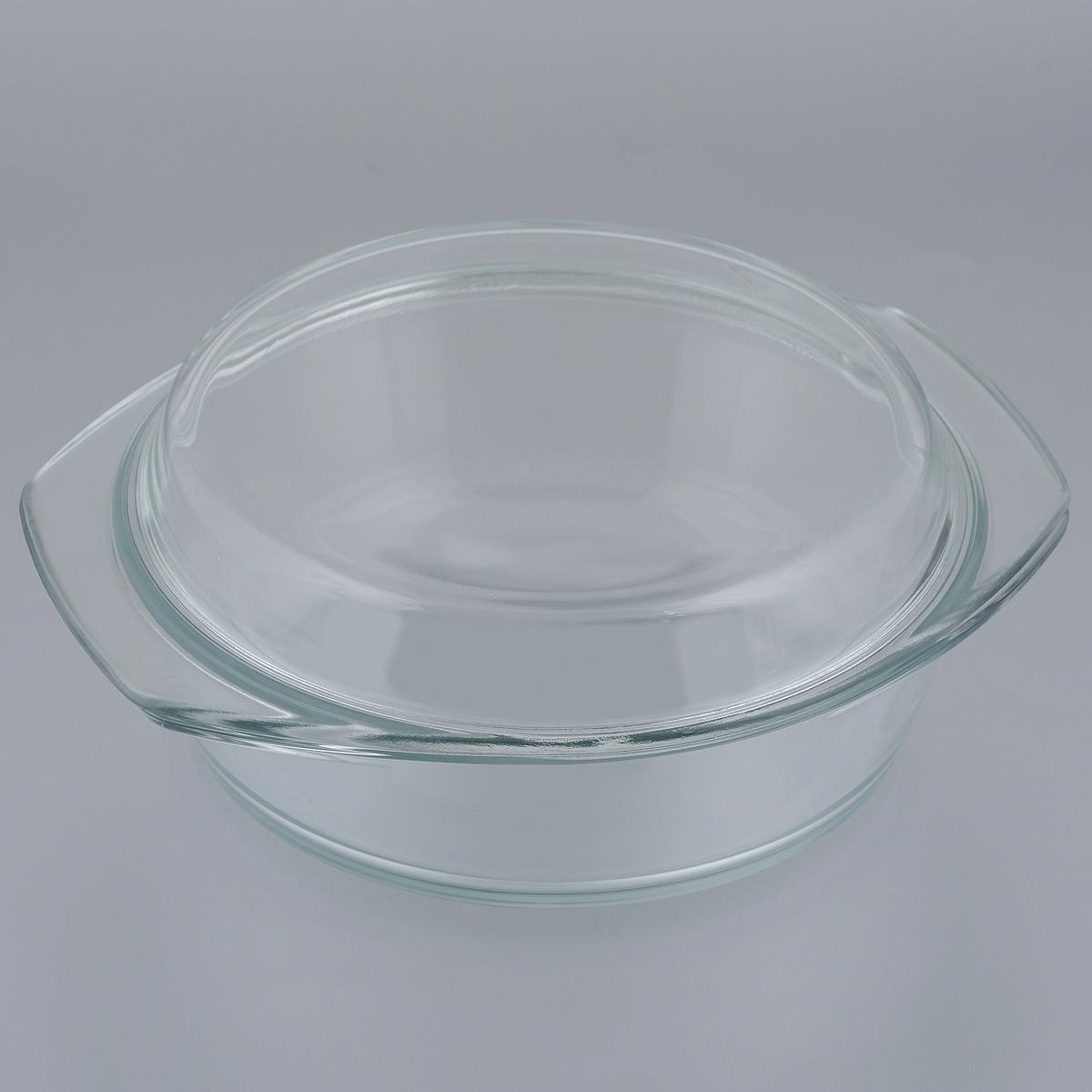 Кастрюля Mijotex с крышкой, 1,5 лPL16Кастрюля Mijotex изготовлена из экологически чистого жаропрочного стекла и оснащена крышкой, которую также можно использовать как отдельную емкость. Стекло - самый безопасный для здоровья материал. Посуда из стекла не вступает в реакцию с готовящейся пищей, а потому не выделяет никаких вредных веществ, не подвергается воздействию кислот и солей. Из-за невысокой теплопроводности пища в стеклянной посуде гораздо медленнее остывает. Стеклянная посуда очень удобна для приготовления, разогрева и хранения самых разнообразных блюд: супов, вторых блюд, десертов. Используя такую кастрюлю, вы можете не только приготовить в ней пищу, но и подать ее к столу, не меняя посуды. Благодаря гладкой идеально ровной поверхности посуда легко моется. Допускается нагрев посуды до 250°С. Можно использовать в микроволновой печи, духовом шкафу, на газовых конфорках и электроплитах. Можно использовать для хранения в холодильнике и морозильной камере. Можно мыть в посудомоечной машине. ...