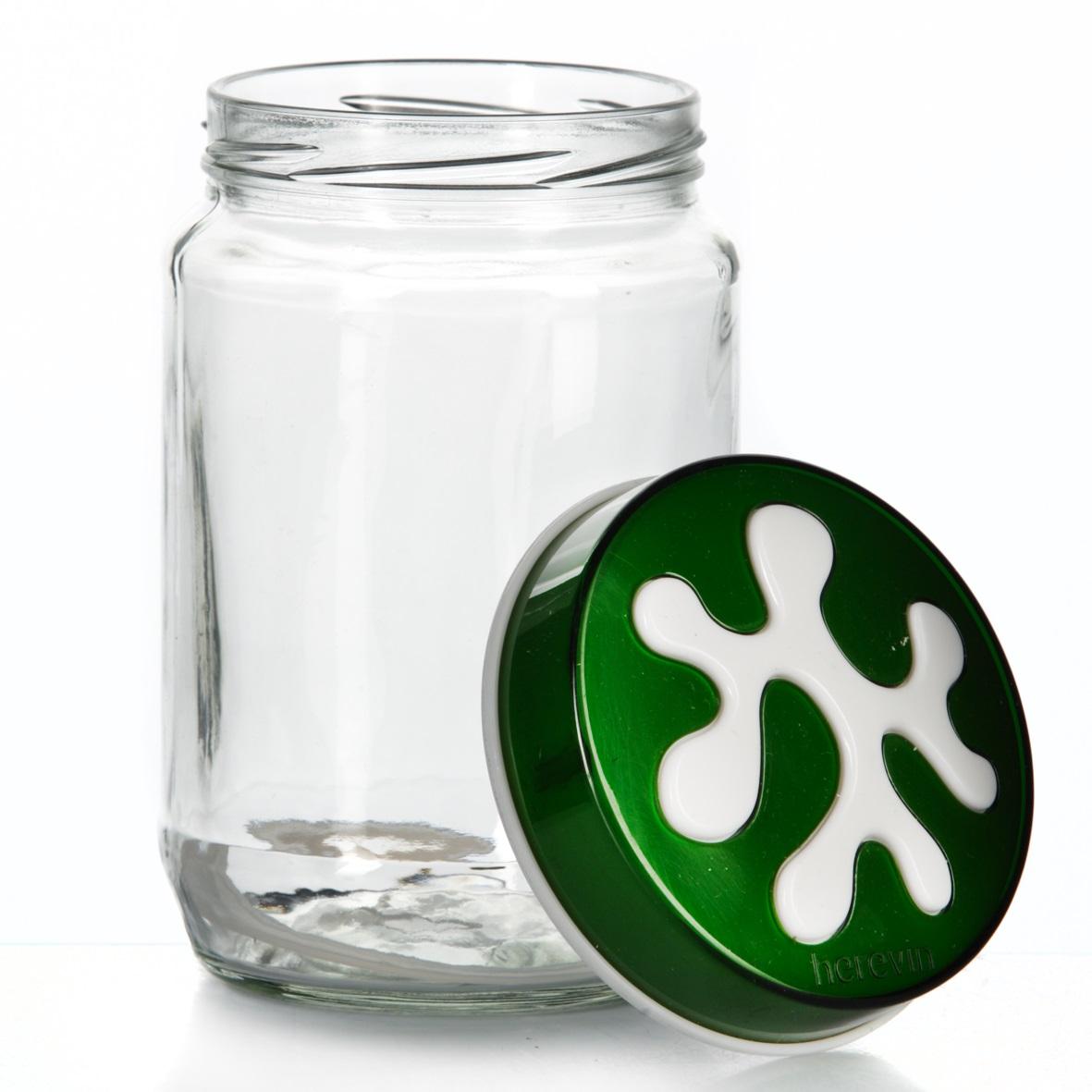 Банка для сыпучих продуктов Herevin, цвет: зеленый, 720 мл. 135367-002135367-002Банка для сыпучих продуктов Herevin изготовлена из прочного стекла и оснащена плотно закрывающейся пластиковой крышкой. Благодаря этому внутри сохраняется герметичность, и продукты дольше остаются свежими. Изделие предназначено для хранения различных сыпучих продуктов: круп, чая, сахара, орехов и т.д. Функциональная и вместительная, такая банка станет незаменимым аксессуаром на любой кухне. Можно мыть в посудомоечной машине. Пластиковые части рекомендуется мыть вручную. Объем: 720 мл. Диаметр (по верхнему краю): 7,5 см. Высота банки (без учета крышки): 14 см.
