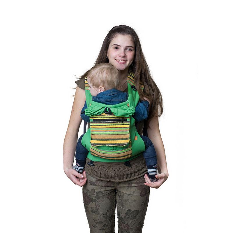 Слинг-рюкзак Чудо-Чадо Уичоли, цвет: зеленыйСРЧ01-005Уичоли - это племя индейцев, которые носят множество вышитых сумочек, любят слинги, сумки, ткачество и вышивку. За это антропологи назвали их племенем художников. Классический слинг-рюкзак Уичоли выполнен в этно-стиле из натуральной, дышащей, гипоаллергенной, износостойкой и простой в уходе ткани - 100% хлопка с отделкой из 100% полиэстера. Твил внутри и мягкие края рюкзака не натирают нежную кожу ребенка и не врезаются в ножки. Чтобы спинке малыша было комфортно, верхний край сделан из мягкого валика. Все крепления лямок и края сиденья рюкзака дополнительно усилены. В лямках рюкзака в качестве наполнителя использована специальная пенка. Она хорошо держит форму, устойчива к самой интенсивной эксплуатации, не подвержена разрушению под воздействием воды, моющих средств и ультрафиолетовых лучей. Широкий пояс помогает правильно распределить вес и разгружает спину. Рюкзак снабжен двойным вместительным карманом для мелочей и регулируемым капюшоном-подголовником. ...