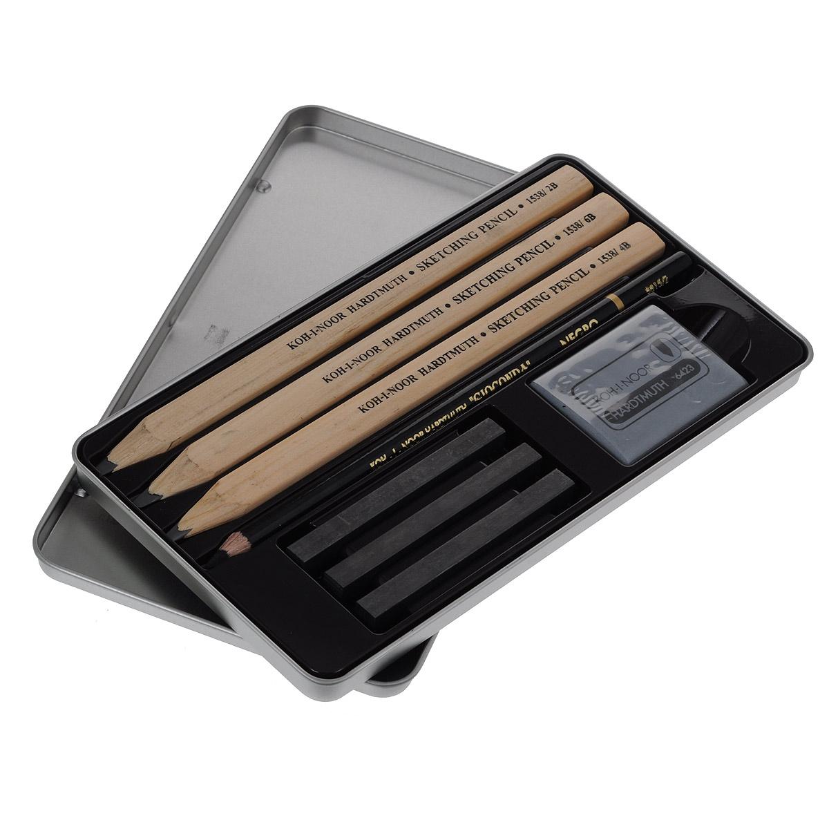Набор для черчения Koh-i-Noor Gioconda, 8 предметов8892Профессиональный набор для черчения Koh-i-Noor Gioconda состоит из 3 трехгранных чернографитных карандашей (2В, 4В, 6В), угольного карандаша Gioconda Negro, 3 графитовых стержней без дерева (2В, 4В, 6В), и ластика. Графитовый стержень имеет высокую степень прочности, легко затачивается любой точилкой. Предметы набора располагаются в металлическом пенале с откидной крышкой. Набор предназначен для профессионального удожественного творчества.