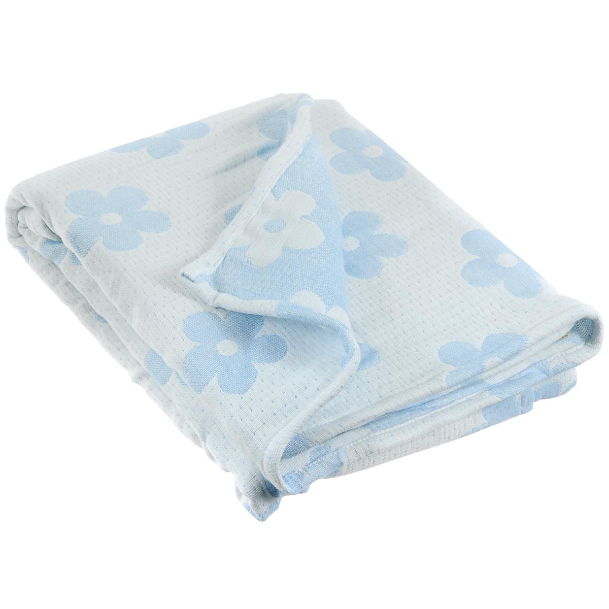 Плед-одеяло детский Baby Nice Цветы, муслиновый, цвет: голубой, 100 см x 118 смL618365Муслиновый плед-одеяло Baby Nice Цветы, изготовленный из мягкого натурального 100% хлопка, оформлен цветочным рисунком. Плед-одеяло для новорожденных из мягкого и дышащего муслинового хлопка идеально подходит для комфортного сна малыша. Состоит из четырех слоев дышащего муслина, которые помогут сохранить тепло собственного тела ребенка, предотвращая перегревание. Благодаря особой технологии переплетения нитей и специальной отделки пряжи, муслиновый плед приобрел улучшенную мягкость и гигроскопичность. Легкий и дышащий, эластичный и практичный, такой плед хорошо пропускает воздух, впитывает влагу и прекрасно отдает тепло. Он создаст вашему малышу ощущение свежести и комфорта. Муслиновый плед сохраняет свои свойства даже после многочисленных стирок, быстро сохнет и не требует глажки. Во время прогулки такой плед послужит легким одеялом в коляску.