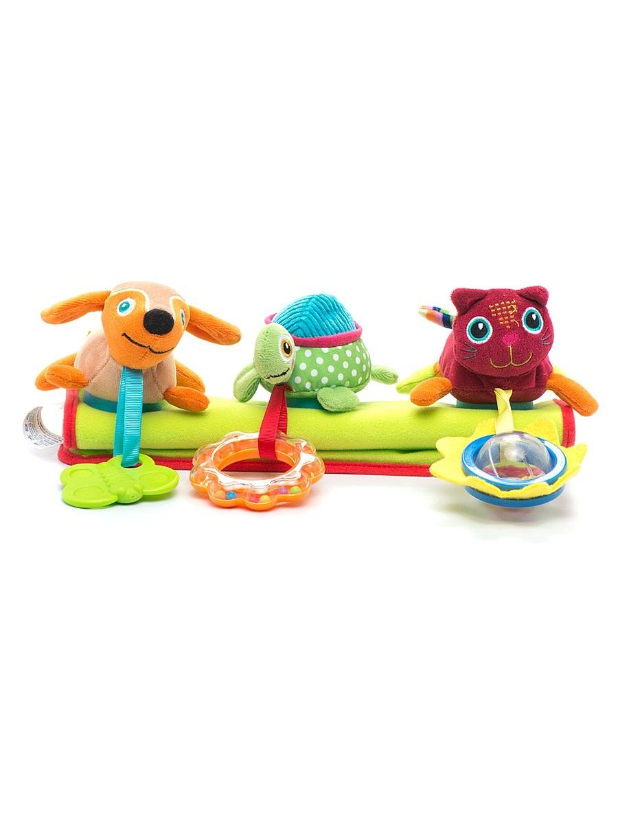 Подвеска на коляску OOPS. O 12004.00O 12004.00Развивающая игрушка OOPS, изготовленная из высококачественного текстиля и пластика, предназначена для подвешивания на коляску. С такой игрушкой ребенку никогда не будет скучно. Мягкие игрушки в виде черепашки, кошки и песика висят над головой ребенка и веселят, как могут, пока он пребывает в коляске. Развивающая игрушка из яркого текстиля - познавательна и полезна. Мягкие игрушки оснащены подвесками в виде солнышка, цветка и бабочки. Солнышко и цветок - это яркие погремушки с пересыпающимися шариками, бабочка-прорезыватель с выпуклостями предназначена для воспаленных десен. Подвеска на планке с липучкой легко крепится к бортику коляски и не падает при тряске. Развивающая игрушка OOPS развивает моторику, тактильные ощущения, слуховое, визуально-цветовое восприятие и вносит позитив.