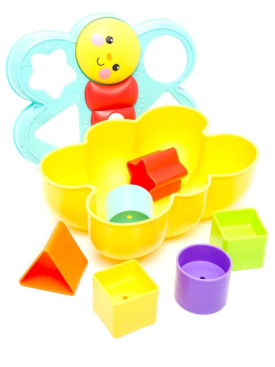 Fisher-Price Сортер БабочкаCDC22Сортер Fisher-Price Бабочка изготовлен из высококачественного прочного пластика безопасного для детей. Эта симпатичная игрушка в виде бабочки содержит 4 отверстия и 6 разноцветных фигурок: звезда, треугольник, 2 круга, 2 квадрата. Раскладывайте и сортируйте их вместе! Даже самые маленькие смогут легко открыть крышку и вытащить фигурки. Со временем ваш малыш научится подбирать нужную фигуру к нужному отверстию в крышке. А самое веселое - это рассыпать фигурки и начать игру заново! Сортер Fisher-Price Бабочка поможет развить у детей мелкую моторику рук, зрительно-двигательную координацию, цветовое восприятие, логическое мышление. Игра поможет познакомить ребенка с названиями цветов и форм.