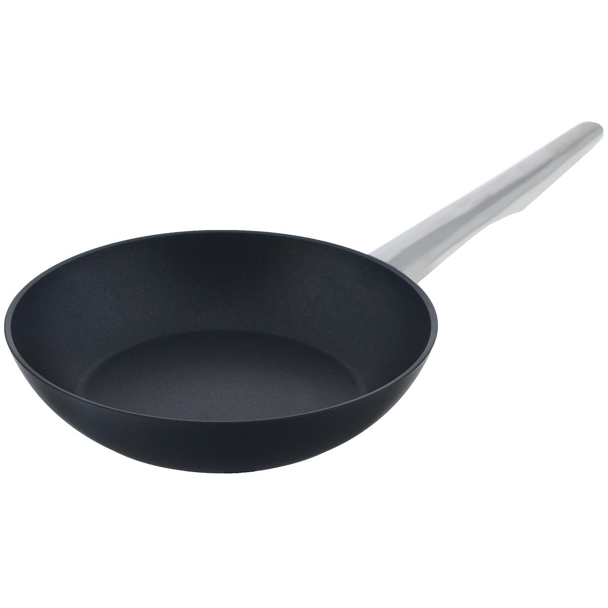 Сковорода TVS Maestrale, с антипригарным покрытием, цвет: черный. Диаметр 20 см1V278203310001Сковорода TVS Maestrale выполнена из алюминия с внешним лаковым покрытием черного цвета и обладает превосходной теплопроводностью. Внутреннее антипригарное покрытие Toptec позволяет готовить пищу с минимальным использованием масла. Прочная поверхность сковороды не боится механических повреждений. Эргономичная ручка, изготовленная из нержавеющей стали имеет плавные формы, которые подчеркивают стиль сковороды. Сковорода TVS Maestrale изготовлена из экологичных материалов, что делает ее пригодной для приготовления пищи детям. Подходит для всех видов плит, включая индукционные. Сковороду TVS Maestrale можно использовать в духовому шкафу. Максимальная температура 230°С. Можно мыть в посудомоечной машине. Особенностью коллекции Maestrale является фурнитура из нержавеющей стали с изящными формами, очень эффектно сочетающаяся с литым корпусом изделий с черным антипригарным покрытием Toptec. Дно сковород и кастрюль, входящих в коллекцию, имеет...