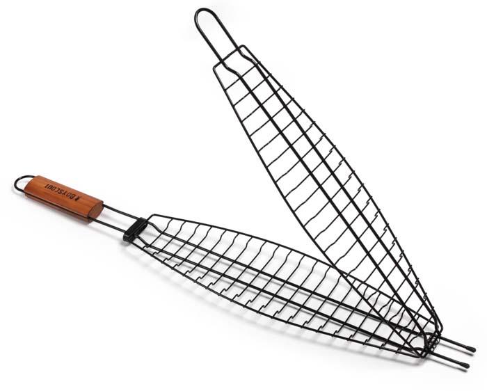 Решетка-гриль Boyscout для рыбы, с антипригарным покрытием, 65 см х 15 см х 3,5 см61309Решетка-гриль Boyscout предназначена для приготовления рыбы на открытом воздухе. Изготовлена из высококачественной стали с антипригарным покрытием. Решетка имеет деревянную вставку на ручке, предохраняющую руки от ожогов и позволяющую без труда перевернуть решетку. Надежное кольцо-фиксатор гарантирует, что решетка не откроется, и продукты не выпадут. Размер рабочей поверхности: 42 см х 15 см х 3,5 см. Длина ручки: 22 см.