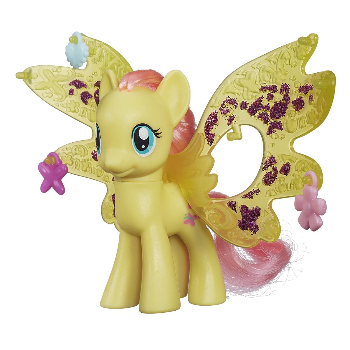 My Little Pony Фигурка пони Флаттершай с волшебными крыльямиB0358EU4_B0670Фигурка My Little Pony Флаттершай привлечет внимание вашей малышки! Она выполнена из прочного пластика в виде милой пони Флаттершай с яркой гривой и хвостом. Головка фигурки подвижна. В комплект с пони входят большие пластиковые крылья и три аксессуара, которыми их можно украсить. Вашей принцессе понравится играть с фигуркой и воссоздавать сцены из любимого мультсериала. Порадуйте ее таким замечательным подарком!
