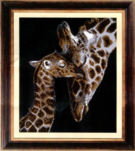 Канва с рисунком для вышивания бисером Hobby & Pro Жирафы, 31 см х 37 см546850Канва с рисунком для вышивания бисером Жирафы изготовлена из полиэстера. Рисунок-вышивка, выполненный на такой канве, выглядит очень оригинально. Бисеринки нашиваются на ткань косыми стежками шва полукрест, где каждая бисеринка соответствует одной клетке на схеме. Вышивание отвлечет вас от повседневных забот и превратится в увлекательное занятие! Работа, сделанная своими руками, создаст особый уют и атмосферу в доме и долгие годы будет радовать вас и ваших близких, а подарок, выполненный собственноручно, станет самым ценным для друзей и знакомых. Рекомендуемое количество цветов: 8. Не рекомендуется стирать или мочить рисунок на канве перед вышиванием. УВАЖАЕМЫЕ КЛИЕНТЫ! Обращаем ваше внимание, на тот факт, что рамка в комплект не входит, а служит для визуального восприятия товара.
