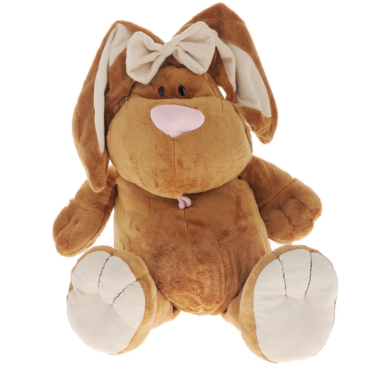 Gulliver Мягкая игрушка Кролик сидячий 71 cм7-42047Мягкая игрушка Кролик сидячий обязательно покорит сердце малыша. Ребенок не захочет расставаться с плюшевым кроликом не на секунду, ведь с ним можно отправиться в гости, на прогулку или к бабушке в деревню. Кролик украшен красивым бантом, может самостоятельно сидеть. Играть с ним можно в любую игру. Ребенок сможет устроить домашнее чаепитие и пригласить друзей или поиграть в волшебника с исчезновением очаровательного кролика. Играя с мягким кроликом, ребенок не будет ограничивать свою фантазию, с ним можно придумать много сюжетов. Мягкие игрушки Gulliver действуют позитивно на растущий детский организм, обучая ласке и доброте, улучшают настроение ребенка, развивают тактильную чувствительность, стимулируют зрительное восприятие, хватательные рефлексы и моторику рук.