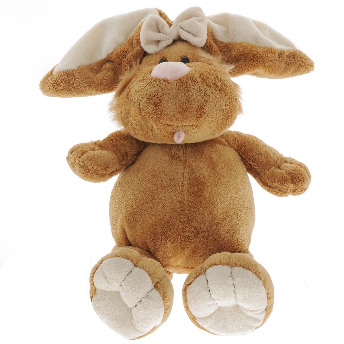 Мягкая игрушка Gulliver Кролик сидячий, 40 cм7-42045Мягкая игрушка Кролик сидячий обязательно покорит сердце малыша. Ребенок не захочет расставаться с плюшевым кроликом не на секунду, ведь с ним можно отправиться в гости, на прогулку или к бабушке в деревню. Кролик украшен красивым бантом, может самостоятельно сидеть. Играть с ним можно в любую игру. Ребенок сможет устроить домашнее чаепитие и пригласить друзей или поиграть в волшебника с исчезновением очаровательного кролика. Играя с мягким кроликом, ребенок не будет ограничивать свою фантазию, с ним можно придумать много сюжетов. Мягкие игрушки Gulliver действуют позитивно на растущий детский организм, обучая ласке и доброте, улучшают настроение ребенка, развивают тактильную чувствительность, стимулируют зрительное восприятие, хватательные рефлексы и моторику рук.