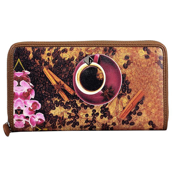 Кошелек женский Flioraj Coffeebeans, цвет: коричневый, розовый. 1288-141831288-14183/CoffeebeansМодный кошелек Flioraj от итальянского бренда выполнен из натуральной кожи высокого качества и декорирован стильным фотопринтом. Модель закрывается на застежку-молнию. Внутри - три отделения для купюр, одно отделение на застежке-молнии, три плоских кармана и двенадцать отделений для визиток и пластиковых карт. Классический дизайн и стильный декор в сочетании с удобством и вместительностью делают этот аксессуар незаменимым.