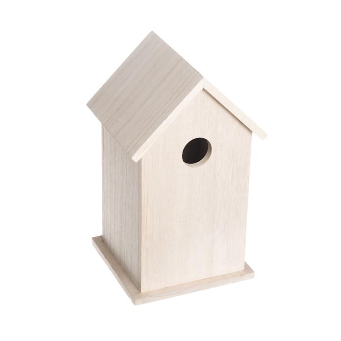 Скворечник садовый Village People Натуральность, 12 х 11,5 х 21 см68624Скворечник Village People Натуральность представляет собой маленький, уютный деревянный домик для птиц. Помимо своего основного назначения, скворечник также прекрасно украсит ландшафт, придаст ему оригинальность и самобытность. Размер скворечника: 12 см х 11,5 см х 21 см.
