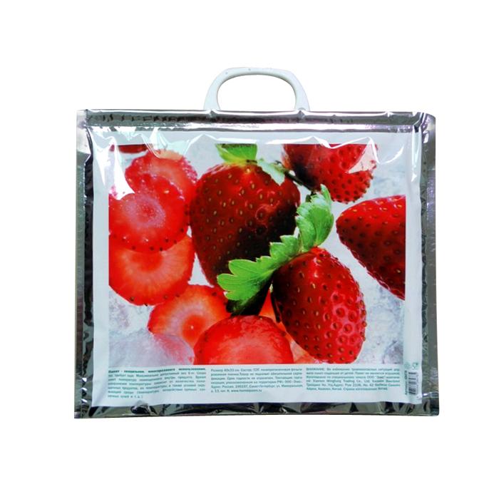 Термопакет Home Queen Клубника, 40 см х 33 см58478_1Удобный и практичный пакет-холодильник многоразового использования Home Queen Лед изнутри покрыт специальным отражающим материалом и создан для того, чтобы как можно дольше сохранить еду свежей. Надежные застежки удобны в использовании, позволяют моментально закрыть пакет и не дадут ему случайно открыться. Яркий принт делает этот пакет оригинальным аксессуаром. Размер: 40 см х 33 см.