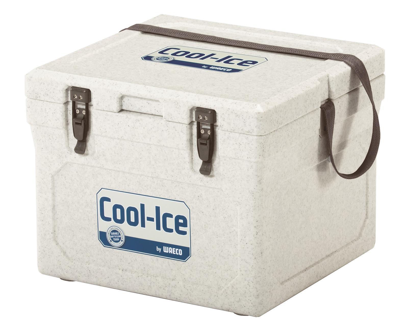 WAECO Cool-Ice WCI-22 изотермический контейнер, 22 лWCI-22Термобокс WAECO Cool Ice WCI 22 имеет особое лабиринтное уплотнение, которое не дает попадать теплому воздуху во внутрь. Эта система LABYRINTH SEAL - которая дает возможность сохранять необходимую температуру дольше. Термобокс сделан из термостойких, гигиеничных материалов. Cool Ice WCI-22 имеет защиту от ультрафиолетового излучения, очень легко моется и оснащен надежными защелками, петли сделаны из нержавеющей стали. Для удобства в транспортировке, предусмотрен ремень. Также предусмотрено отверстие для слива конденсата в корпусе. Вес термобокса, всего 4,2 кг.