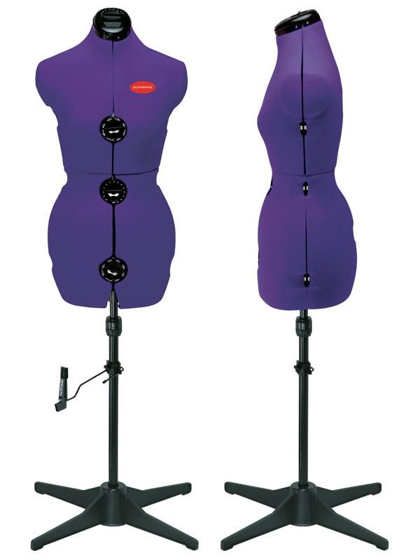 Манекен Prym Prymadonna, цвет: фиолетовый, размер L611757Манекен сконструирован так, чтобы вращаться свободно по своей оси или фиксироваться в позиции для более легкой наметки при помощи булавок. Чтобы прокрутить торс, его нужно немного приподнять. Для фиксации опустить так, чтобы он попал в одну из четырех фиксирующих позиций. Раздвигается в 8-и плоскостях, с интегрированной игольницей в области шеи, со стабильным штативом из пластика и устройством для выполнения подгибок на юбках (для фиксации булавками). - Индивидуально регулируется объем шеи, груди, талии, бедер и длина спины благодаря специальному колесику настройки впереди и поворотному колесику сзади и по бокам; - специально разработанная плечевая область для корректной посадки рукавов; - простой монтаж. Объем груди: 112-127 см. Объем талии: 94-109 см. Объем бедер: 119-132 см.