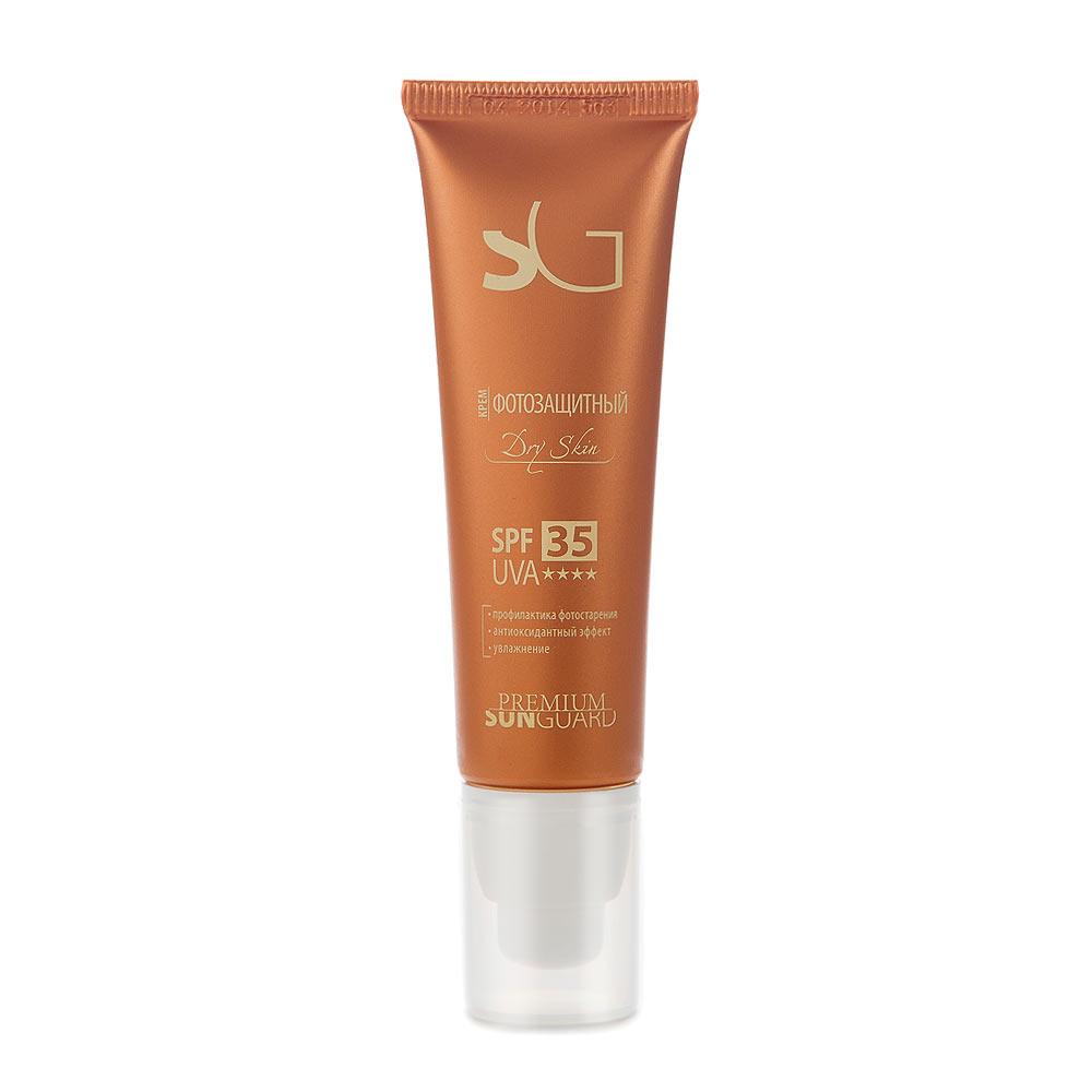 PREMIUM Softouch Крем фотозащитный SPF-35 Dry Skin, 50 млГП110005Профессиональный препарат для защиты кожи лица от негативного воздействия солнечных лучей спектра А и В при уходе за сухой и сухой увядающей кожей . Создан на основе множественной эмульсии, обеспечивающей высокую эффективность работы солнцезащитного средтва и отличные потребительские характеристики (равномерное и комфортное распределение на коже). Эмульсия разработана с учетом особенностей сухой чувствительной кожи: интенсивно увлажняет, восстанавливает естественные барьерные функции, местный иммунитет кожи. При нанесении не создает эффекта белой маски. Состав: вода очищенная, титана диоксид, кремния диоксид, октокрилен, глицерин, бутиленгликоль дикаприлат/дикапрат, фенилбензимидазол сульфоновая кислота, ПЭГ-40 гидрогенизированного касторового масла, циклопентасилоксан и циклогексасилоксан, бутил метоксидибензоилметан, циклопентасилоксан и ПЭГ/ППГ-18/18 диметикон, триэтаноламин, масло кукурузное, магния алюмосиликат, полиглицерил-2 диполигидроксистеарат, пропиленгликоль, токоферил...
