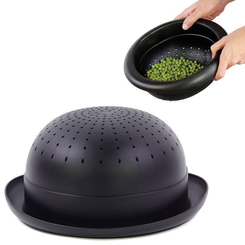 Дуршлаг Bowler HatDYBOWLEBKИдеально для леди и джентельменов, которые хотят добавить шика своей кухне. Макароны, овощи, ягоды и фрукты - промывайте их одним движением в удобном дуршлаге. А когда закончите. можно устроить небольшое кухонное шоу в стиле кабаре! Материал: полипропилен, цвет: Черный