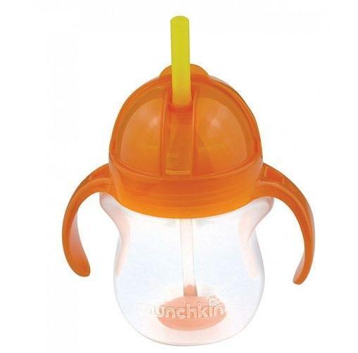 Munchkin поильник Click Lock с трубочкой и с ручками 207 мл. 6+, цвет: оранжевый11888 NEWоранжевыйСоединяет в себе маленькую мягкую бутылочку с ручками и возможность пить из соломинки. Тренировочная (обучающая) бутылочка идеально подходит для перехода от детской бутылочки к поильнику-непроливайке. Пить из бутылочки можно под любым углом. С крышкой и клапаном Click Lock , который обеспечивает 100% герметичность, поильник Munchkin с трубочкой идеально подходит для использования на ходу. Будьте уверены - это именно тот поильник-непроливайка, который вам нужен! Для детей с 6 месяцев. В ассортименте несколько цветов - выбрать цвет заранее нет возможности.