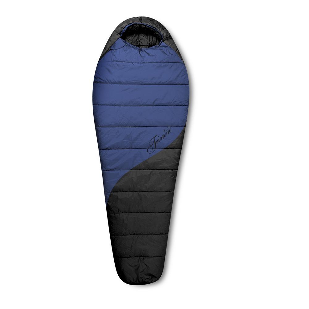Спальный мешок Trimm BALANCE, цвет: синий, левосторонняя молнияR36958Спальный мешок Trimm BALANCE – классический вариант спального мешка типа кокон синего цвета. Прекрасно подойдет для холодных сезонов и будет незаменимой вещью в походе. Спальный мешок BALANCE от чешского производителя туристического снаряжения Trimm относится к серии Trekking, предназначенной для умеренно низких температур. Особенность модели – возможность парного соединения спальников, когда при помощи штатных змеек можно соединить два спальных мешка для ночевки вдвоем. Спальник в соответствии со стандартом EN 13537 выдерживает температуры до -25 градусов, но комфортно для туриста в нем будет до минус 8 градусов. Уложенный в компрессионный мешок спальник Trimm BALANCE представляет собой сумку размерами 18 см*34 см*24 см. В готовом для отдыха состоянии модель имеет следующие размеры: ширина внизу – 58 см, в изголовье – 85 см и длина – 230 см, что подойдет для человека ростом до 195 см. В основу спальника заложена двухслойная система: материалами для внешнего слоя служит...