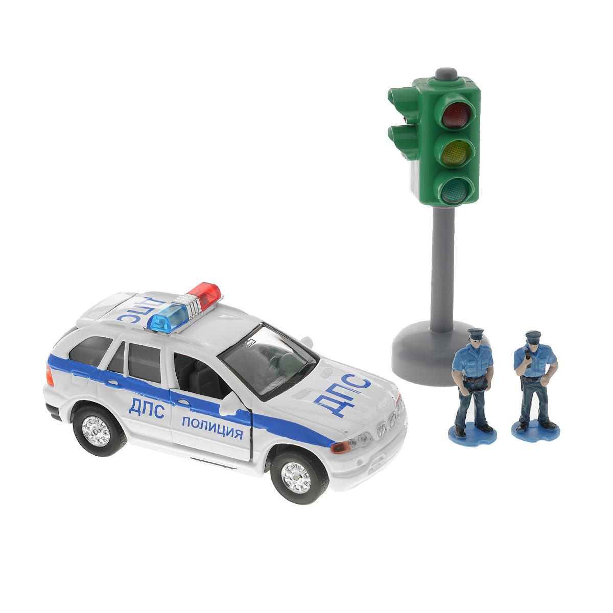 ТехноПарк Игровой набор Полиция ДПСCT10-060-2Игровой набор Технопарк Полиция ДПС будет очень интересен для ребенка. Набор включает в себя полицейскую машину с инерционным механизмом и световыми и звуковыми сигналами, 2 фигурок сотрудников ДПС и 5 дорожных знаков. В наборе так же присутствует светофор, при нажатии на верхнюю часть которого зажигается определенный свет и даются рекомендации по правилам ДПС. Двери и капот машинки открываются. Такой набор несомненно понравится вашему ребенку и не позволит ему скучать. Ваш ребенок будет часами играть с набором, придумывая различные истории. С таким набором можно придумать множество игровых сюжетов для увлекательного и веселого времяпрепровождения. Этот игровой набор обязательно понравится вашему ребенку и поможет обеспечить увлекательный досуг. Порадуйте своего малыша такой интересной игрушкой!