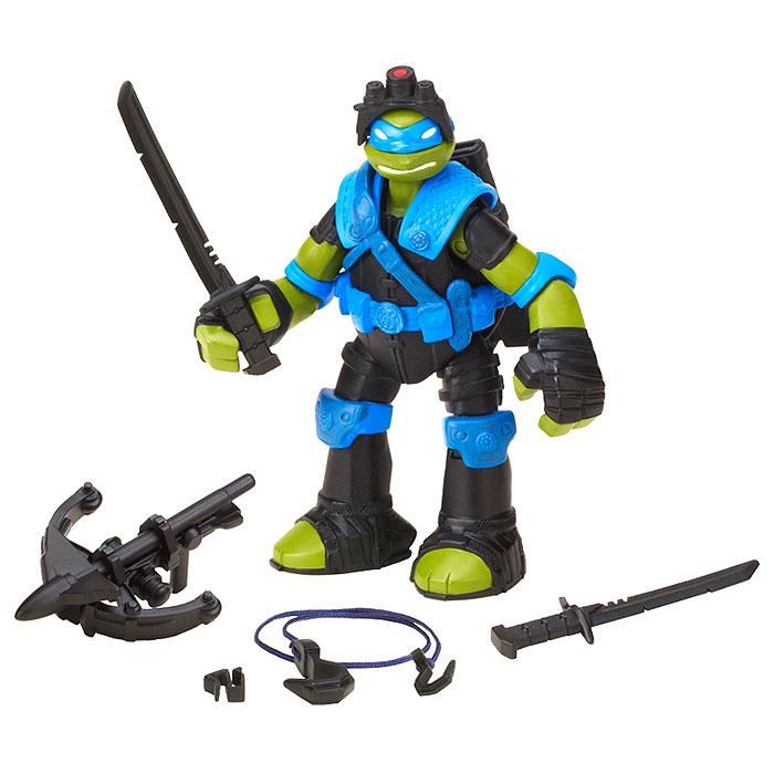 Фигурка Turtles Леонардо, 12 см90567Фигурка Turtles Леонардо станет прекрасным подарком для вашего ребенка. Она выполнена из прочного пластика в виде Леонардо. Голова, руки и ноги фигурки подвижны, что позволяет придавать Леонардо различные позы. В комплект входит оружие черепашки-ниндзя - два меча, чехол для них и арбалет. Ваш ребенок будет часами играть с этой фигуркой, придумывая различные истории с участием знаменитого героя.