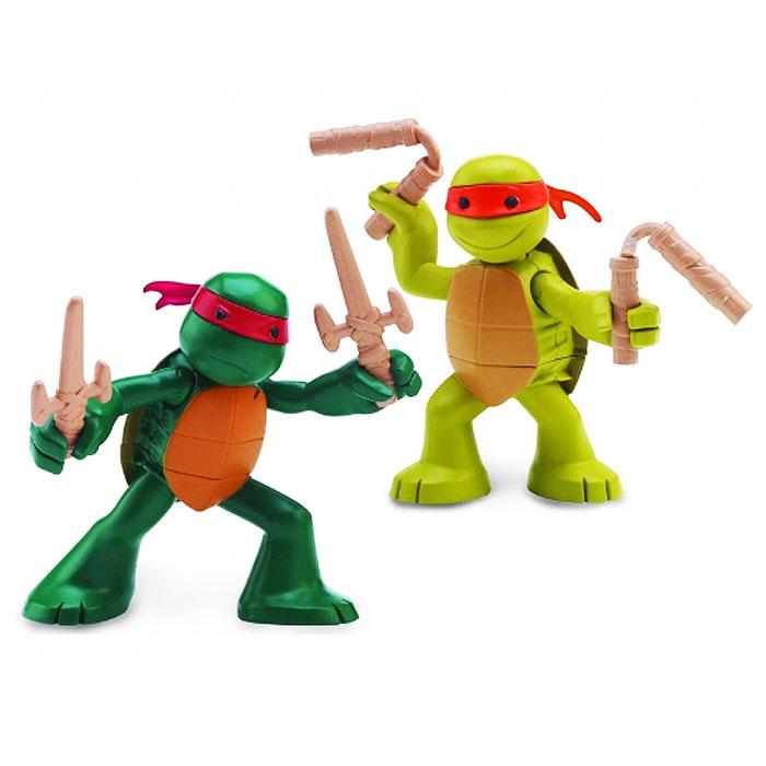 Набор фигурок Turtles Раф и Майки, 2 шт90530Набор фигурок Turtles Раф и Майки станет прекрасным подарком для вашего ребенка. Фигурки выполнены из прочного пластика в виде Рафаэлло и Микеланджело. Голова, руки и ноги фигурок подвижны, что позволяет придавать им различные позы. В комплект входит оружие черепашек-ниндзя: два кинжала и два нунчака. Ваш ребенок будет часами играть с этой фигуркой, придумывая различные истории с участием знаменитого героя.