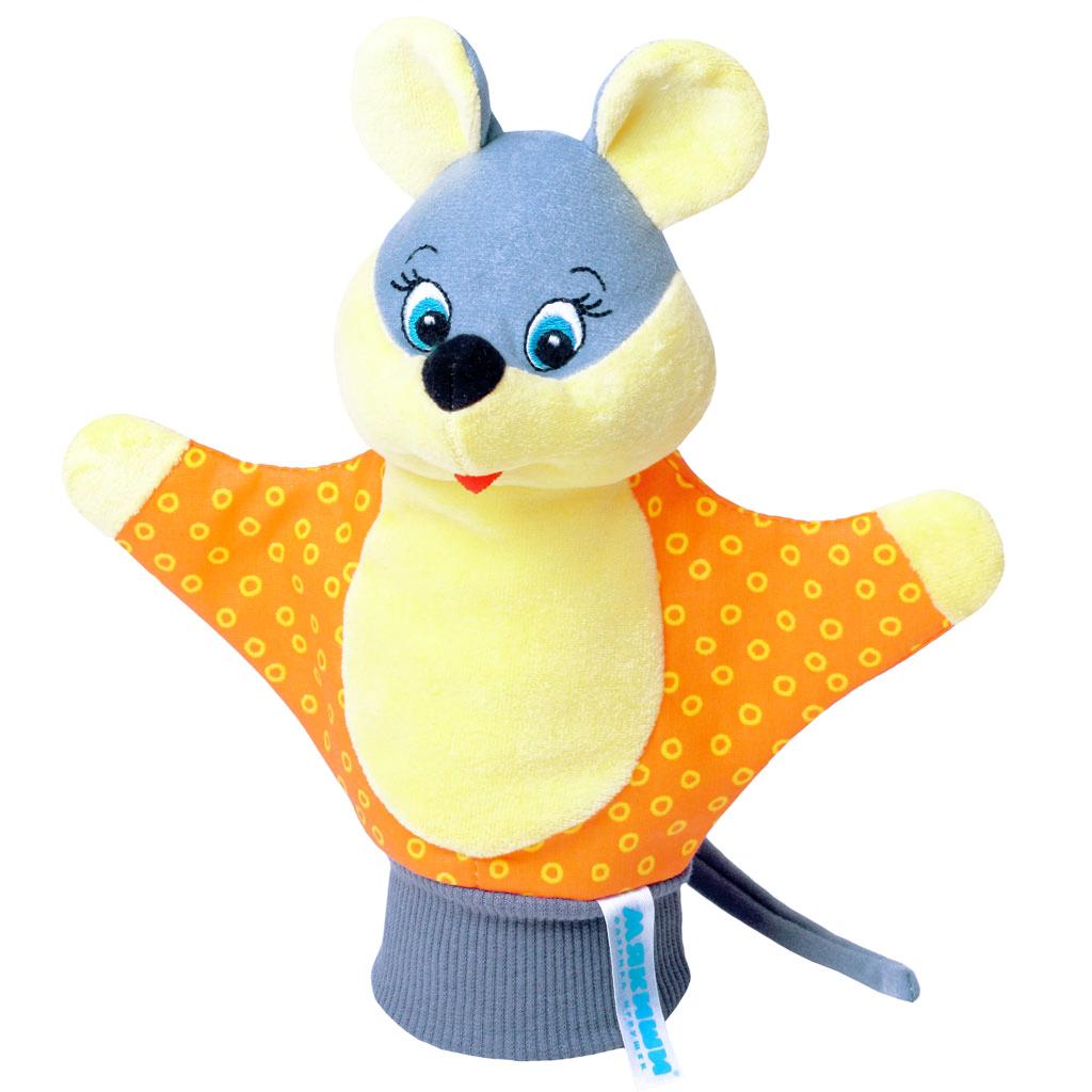 Мягкая игрушка на руку Мышка, 25 см в ссортименте125Мягкая игрушка на руку Мышка привлечет внимание малыша и не позволит ему скучать. Игрушка выполнена из высококачественной разнофактурной ткани и мягкого наполнителя, что позволяет ей быть абсолютно безопасной в игре. Забавная игрушка-рукавичка подходит для любого размера руки: и папиной ладошки, и маленькой детской ручки. В голове мышки спрятана погремушка. Надев игрушку на руку, вы и ваш малыш сможете разыграть различные сценки из любимых мультфильмов или собственные придуманные истории. Постановка домашнего спектакля - всегда незабываемое событие и для актеров и для зрителей. А для малышей, к тому же - важный шаг на пути к творческому самовыражению. Игрушка-рукавичка поможет укрепить мелкую моторику рук ребенка, развить его речевые способности и воображение.
