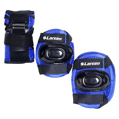 Защита роликовая Larsen P1B. Размер L150562Роликовая защита Larsen P1B  состоит из налокотников, наколенников и защиты запястья. Такая роликовая защита будет отличным дополнением к Вашим роликам.