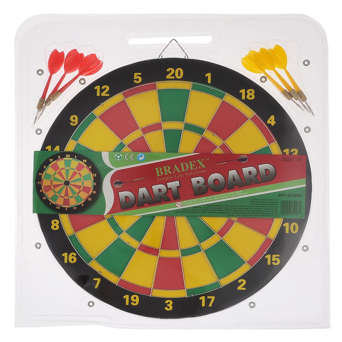 Дартс Bradex, 6 дротиков, диаметр 36 смDE 0084Дартс Bradex состоит из мишени и шести дротиков. Мишень двусторонняя: одна разделена на цветные поля, другая - на чередующиеся черные и желтые круги сужающегося диаметра. За попадание в определенные поля начисляется различное количество очков. Дартс можно повесить на стену или в любое другое место. Дартс - универсальное развлечение для детей и взрослых. Игра в дартс - это состязание в умении точно метать дротики, которого при желании можно достичь в относительно короткий срок. Играть в дартс можно как под открытым небом, так и в закрытом помещении (в спортивном зале, в кафе, в обычной квартире). Дартс не требует специальной спортивной формы, а инвентарь для игры прост и долговечен. Для играющих в дартс не существует языковых и возрастных барьеров, соревноваться могут и взрослые, и дети. Дартс доступен всем, он гуманен и демократичен. Дартс - на редкость увлекательная и зрелищная игра. Это прекрасное средство для проведения досуга и поднятия настроения. Это - игра...