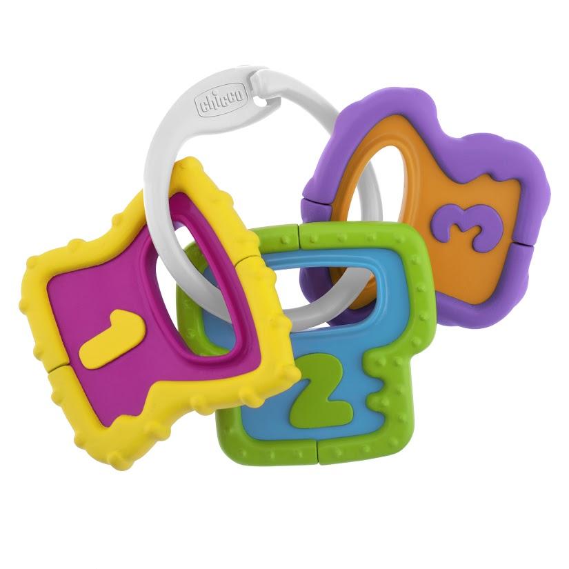 Chicco Игрушка-погремушка Ключики00005953000000Набор удобных для рук ключей Easy Grasp Keys состоит из 3 подвесок в форме ключей, с тщательно проработанным рельефом и в контрастных цветах, чтобы привлечь внимание Вашего ребенка.