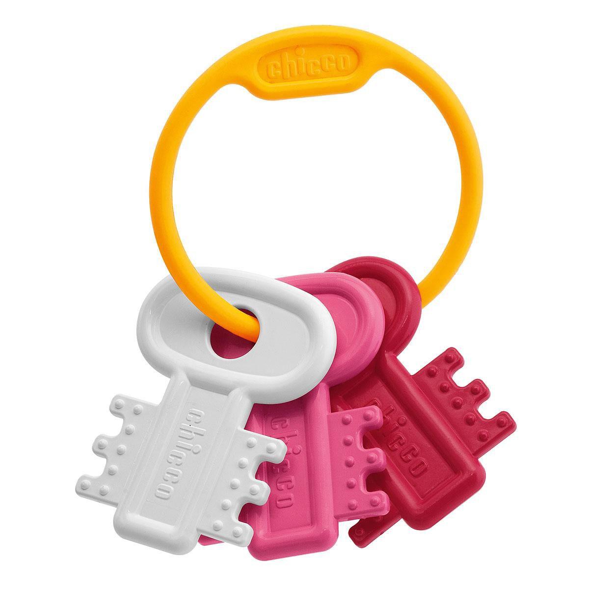 Chicco Погремушка Ключи на кольце, цвет: белый, розовый00063216100000Погремушка Ключи на кольце идеальна для периода прорезывания зубов благодаря рельефным выступам на поверхности. Она представляет собой кольцо с тремя разноцветными ключиками. Малышу будет удобно держать погремушку в маленьких ручках. Погремушка выполнена из высококачественного материала, поэтому абсолютно безопасна для малыша.