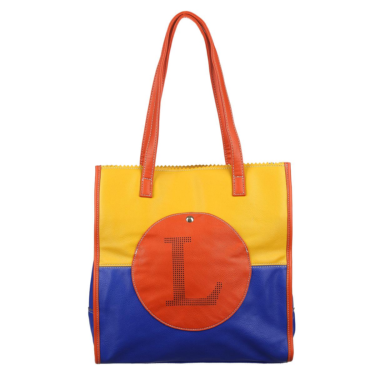 Сумка женская Leighton, цвет: оранжевый, синий, желтый. 560070-L-1070/708/1070/83560070-L-1070/708/1070/83Оригинальная женская сумка Leighton с зубчатой окантовкой выполнена из высококачественной искусственной кожи в контрастных цветах и оформлена перфорацией в виде логотипа бренда и декоративной металлической кнопкой на лицевой стороне. Изделие закрывается на застежку-молнию. Внутри одно отделение, разделенное карманом-средником на застежке-молнии, также есть два накладных кармашка для мелочей и мобильного телефона и врезной карман на застежке-молнии. На обратной стороне сумки расположен врезной карман на молнии. Сумка оснащена двумя ручками. В комплект с сумкой входит съемный плечевой ремень регулируемой длины. Сумка Leighton - это стильный аксессуар, который подчеркнет вашу индивидуальность и сделает ваш образ завершенным. Классическое цветовое сочетание, стильный декор, модный дизайн - прекрасное дополнение к гардеробу модницы.