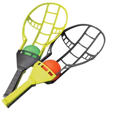 Wham-O Игровой набор Трекбол32187900736Что такое ТРЕКБОЛ? Прежде всего, ТРЕКБОЛ - это новая, яркая, активная, и, без сомнения, интересная игра для активного отдыха для двух и более человек. Игра придумана компанией Wham-O, прославившейся такими всемирно известными играми, как Frisbee (фрисби - летающая тарелка) и HulaHoop (хулахуп - обруч). Идея игры состоит в перебрасывании и ловле крученого мяча между игроками при помощи специально спроектированных ракеток Action Trac (активный трек), который летит по интересным (часто неестественным) траекториям.
