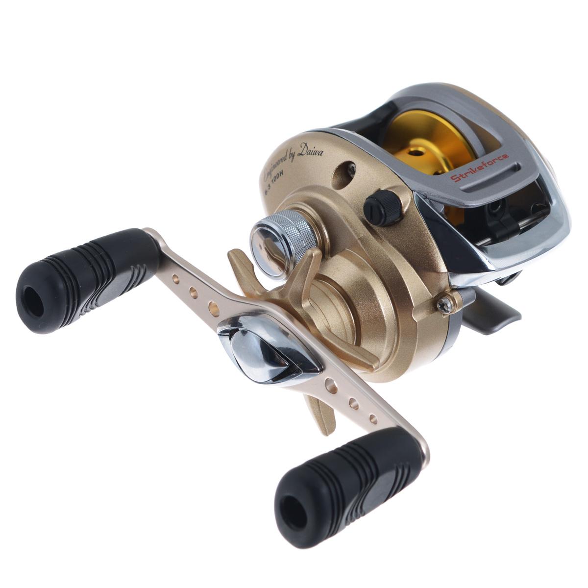 Катушка мультипликаторная Daiwa Strikeforce 100H, цвет: золотой23743Мультипликаторная катушка Daiwa Strikeforce 100H, оснащенная прогрессивной тормозной системой и средствами для борьбы с рыбой, продаваемая по доступной цене - это предел мечтаний любого рыболова. Технические характеристики: 4 шарикоподшипника +1RB. Легкая плавающая перфорированная алюминиевая шпуля. Привод размещен на 6 точечной прецизионной подвеске. Система магнитного торможения Magforce. Система Infinite anti reverse. Ручки в мягкой оболочке. Вес катушки: 235 г. Емкость шпули: 0,32 мм - 135 м, 0,35 мм - 115 м. Намотка за оборот ручки: 71 см.