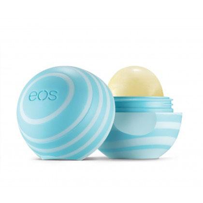 EOS Бальзам для губ Vanilla Mint, 7 г5023EOS Бальзам для губ Vanilla Mint содержит экстракт плодов ванинли. Бальзам на 95% органический, на 100% натуральный, не содержит парабенов и петролатум. Содержит антиоксиданты богатые витамином Е, успокаивающие масло ши и масло жожоба, EOS сохранит ваши губы увлажненными, мягкими и сенсационно гладкими. Необычный привлекательный дизайн, приятный на ощупь, тонкий аромат ванили, любопытсво окружающих и Ваша улыбка - все это бальзам для губ EOS.