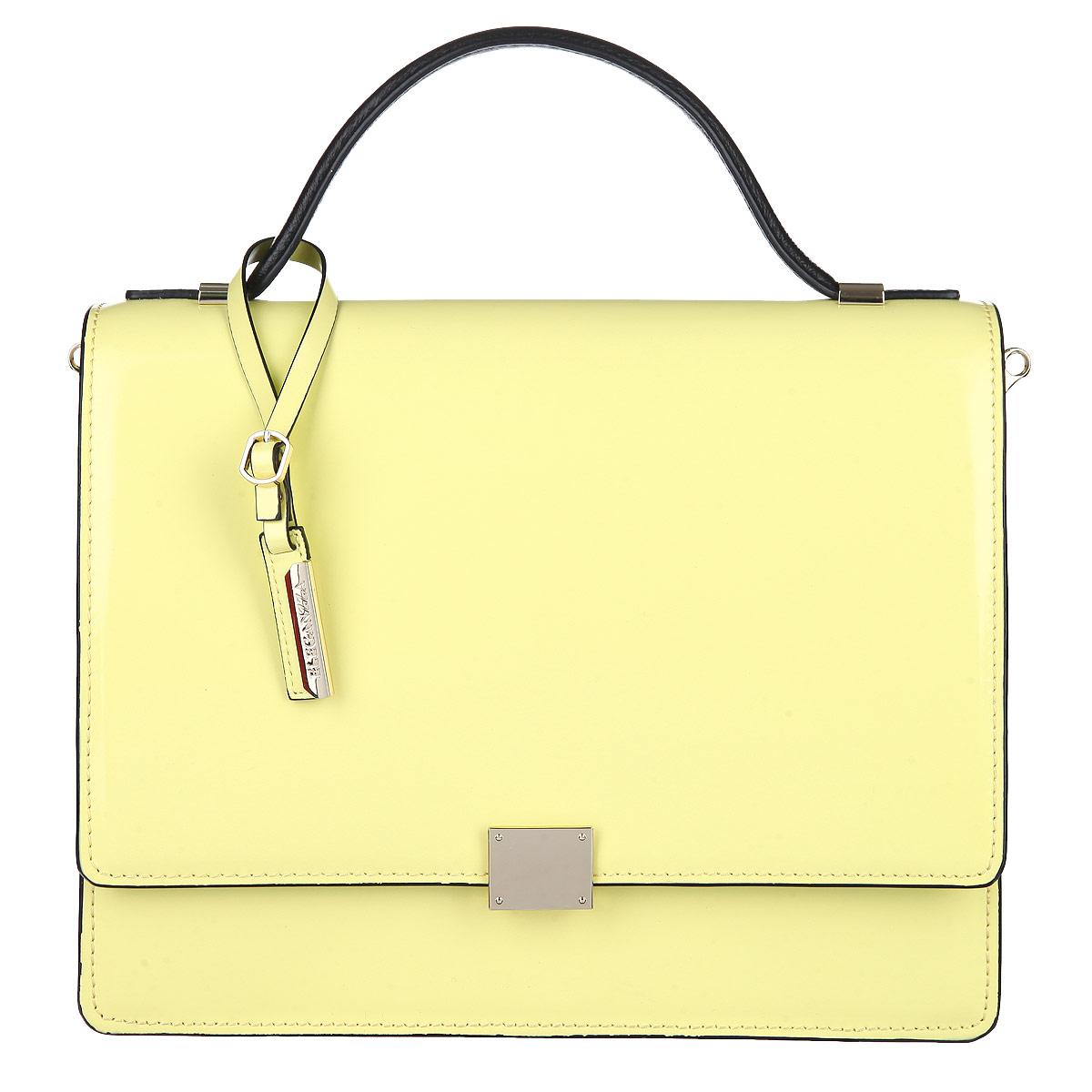 Сумка женская Eleganzza, цвет: пастельно-желтый. ZK15-7628ZK15-7628Изысканная женская сумка Eleganzza выполнена из натуральной кожи и декорирована стильным фирменным брелоком. Сумка закрывается клапаном на замок-защелку. В сумке два отделения и открытый карман. Во втором отделении - врезной карман на застежке-молнии. На обратной стороне сумки расположен врезной карман на молнии. Сумка оснащена удобным плечевым ремнем. Изделие упаковано в фирменный чехол. Блестящий дизайн сумки, сочетающий классические формы с оригинальным оформлением, позволит вам подчеркнуть свою индивидуальность и сделает ваш образ изысканным и завершенным.