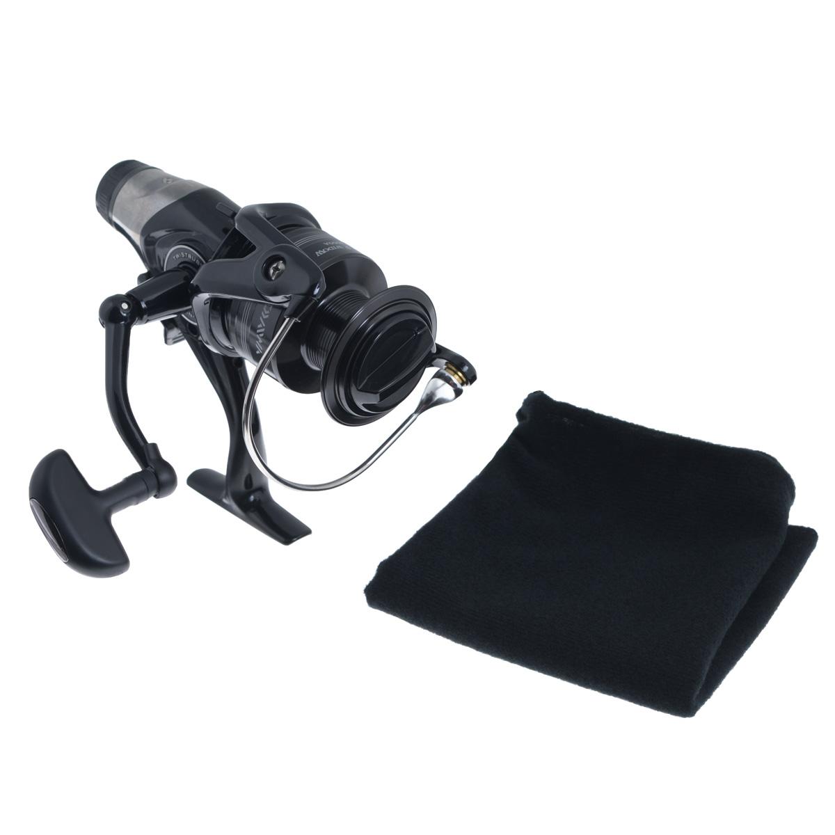 Катушка безынерционная Daiwa Black Widow BR 4000A, цвет: черный41643Серия BLACK WIDOW теперь представлена не только в серии популярных удилищ, но и в новой линии катушек с бейтранером. Точная регулировка механизма бейтранера позволяет значительно расширить сферу использования катушек. Вы можете с успехом ловить как карпа, так и угря и судака. Катушка Daiwa Black Widow BR 4000A создана по высоким японским производственным стандартам и отличается великолепным соотношением цены и качества. Механизм BitenRun. TWIST BUSTER - противозакручиватель лески с покрытием твердым хромом и нитридом титана, защищенный бамперным элементом. AIR BAIL - трубчатая (полая), но супер прочная и легкая дужка особой конструкции, которая предотвращает закручивание лески. INFINITE ANTI-REVERSE - система мгновенного стопора обратного хода ротора. В основе лежит роликовый подшипник, предотвращающий обратное вращение (блокировка по принципу обгонной муфты). Вес катушки: 459 г. Емкость шпули: 0,3 мм - 270 м, 0,32 мм - 240 м, 0,35 мм...