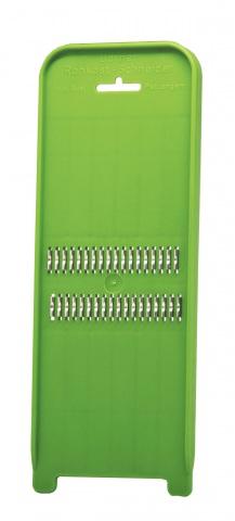 Терка Borner Poko, цвет: зеленый3810136Терка Borner Poko будет отличным помощником на вашей кухне, особенно для любителей моркови по-корейски. Эта овощерезка имеет ударопрочный пластмассовый корпус с острыми нержавеющими ножами, заточенными с двух сторон. Виды нарезки: тонкая длинная соломка из овощей; тонкая короткая соломка; мелкая крошка; мелкая стружка. Размер терки: 31,7 см х 10,3 см х 2,2 см.