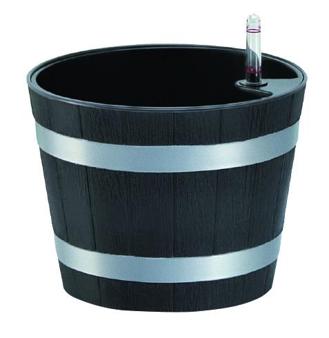 Горшок Green Apple, с системой автополива, диаметр 21,6 смGPW30-17-MКруглый горшок Green Apple имеет уникальную систему автополива, благодаря которой корневая система растения непрерывно снабжается влагой из резервуара. Уровень воды в резервуаре контролируется с помощью специального индикатора. В зависимости от размера кашпо и растения воды хватает на 2-12 недель. Диаметр горшка (по верхнему краю): 21,6 см. Высота горшка: 17 см.