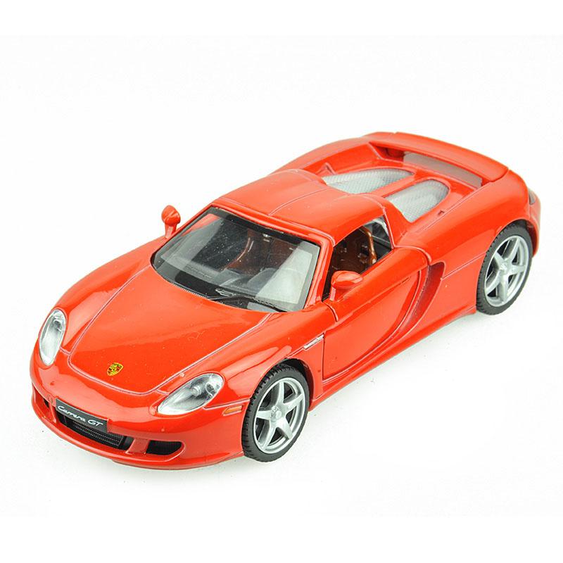 Maxi Toys Модель автомобиля Porsche Carrera GTCP-68343-RМашинка металлическая инерционная. Функции : инерционный двигатель; открывание дверей (опционально капот/багажник); звук; свет.