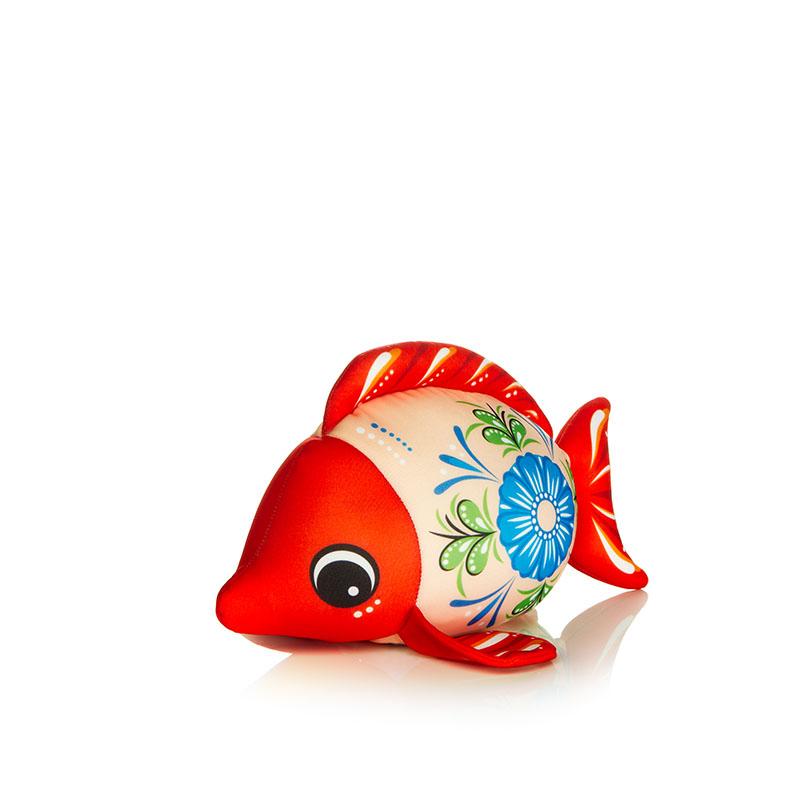 Мягкая игрушка Рыбка: городецкий стиль, цвет: красный, 25 смMT-D091280Мягкая игрушка Рыбка, выполненная в городецком стиле, вызовет умиление и улыбку у каждого, кто ее увидит. Игрушка изготовлена из гладкого, эластичного и прочного полиэстера, наполнитель - гранулы полистирола диаметром меньше миллиметра (наполнитель высшего качества). Эти гранулы обеспечивают осязательный массаж, приятный, полезный и антидепрессивный. Такая игрушка легкая, упругая и всегда хорошо выглядит, как бы вы ее ни сжимали, она неизменно возвращает себе первоначальную форму. Удивительно мягкая игрушка принесет радость и подарит своему обладателю мгновения нежных объятий и приятных воспоминаний. Великолепное качество исполнения делают эту игрушку чудесным подарком как ребенку, так и взрослому. Характеристики: Материал игрушки: полиэстер. Наполнитель: гранулы полистирола. Цвет: красный. Высота игрушки: 25 см. Артикул: MT-D091280.