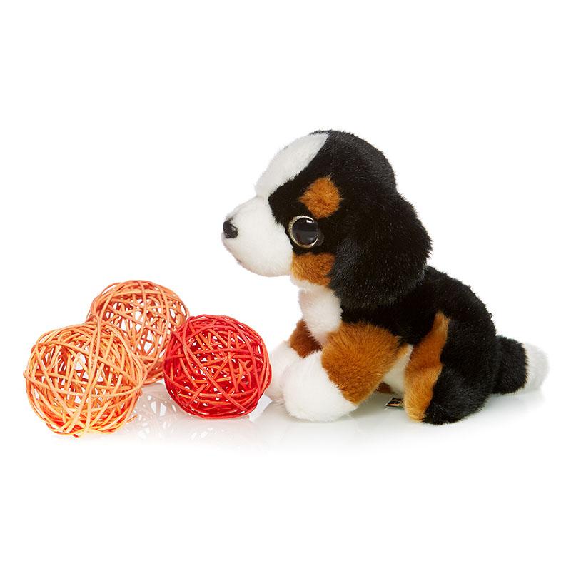 Maxi Toys Мягкая игрушка СенбернарMT-TSC091404-18Игрушка детская мягконабивная. Выполнена в форме различных животных и сказочных персонажей. Состав: Мех искусственный, трикотажный, волокно полиэфирное, фурнитура из пластмассы. Срок службы 5 лет.