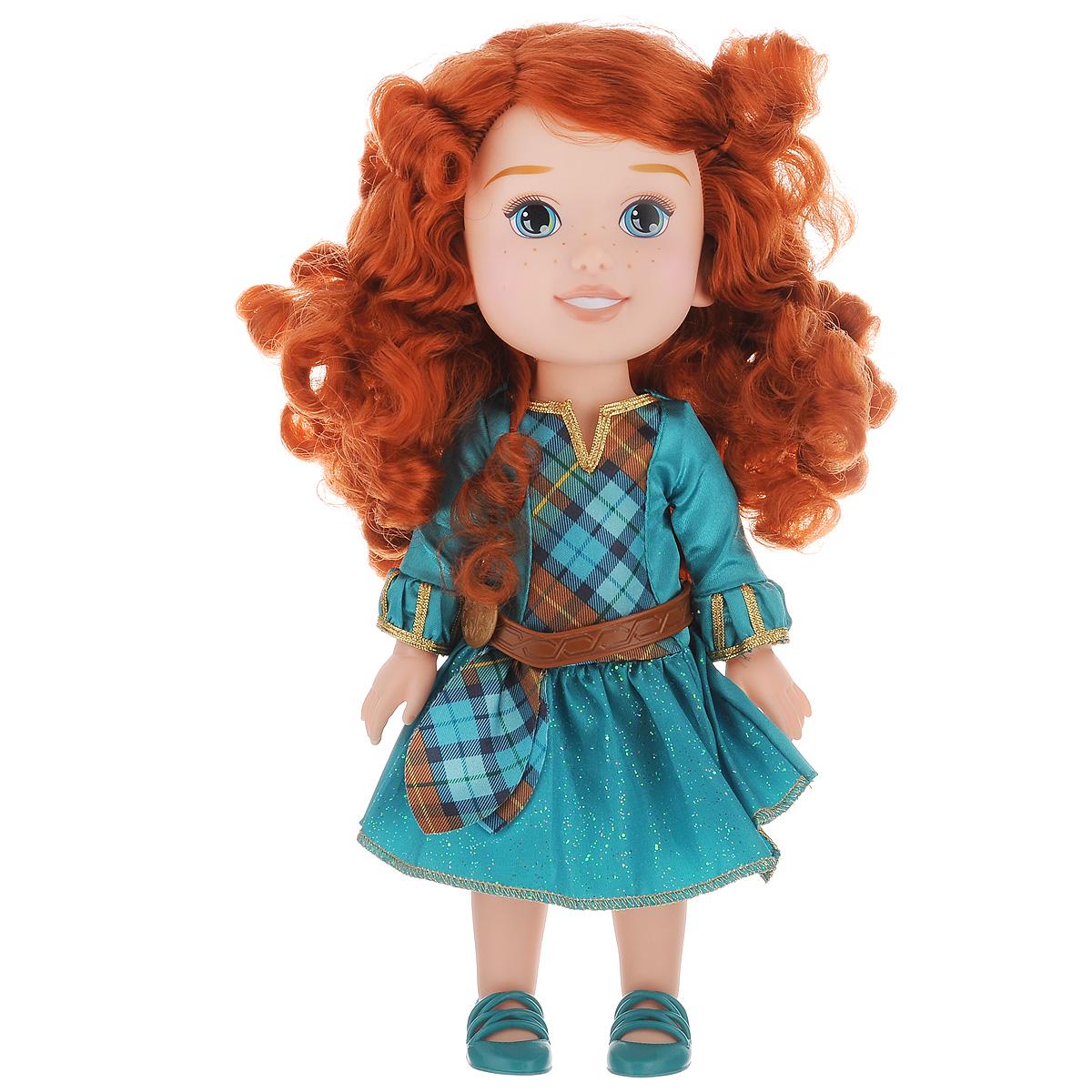 Disney Princess Кукла Малышка Мерида752990Кукла Disney Princess Toddler Merida непременно понравится вашей дочурке. Кукла в виде принцессы Мериды выполнена из пластика и одета в прекрасное изумрудное платье, на ножках - зеленые туфельки. У куклы шикарные рыжие локоны, которые можно заплетать. Такая куколка очарует вас и вашу дочурку с первого взгляда! Ваша малышка с удовольствием будет играть с принцессой Меридой, проигрывая сюжеты из мультфильма или придумывая различные истории. Порадуйте свою дочурку таким замечательным подарком!