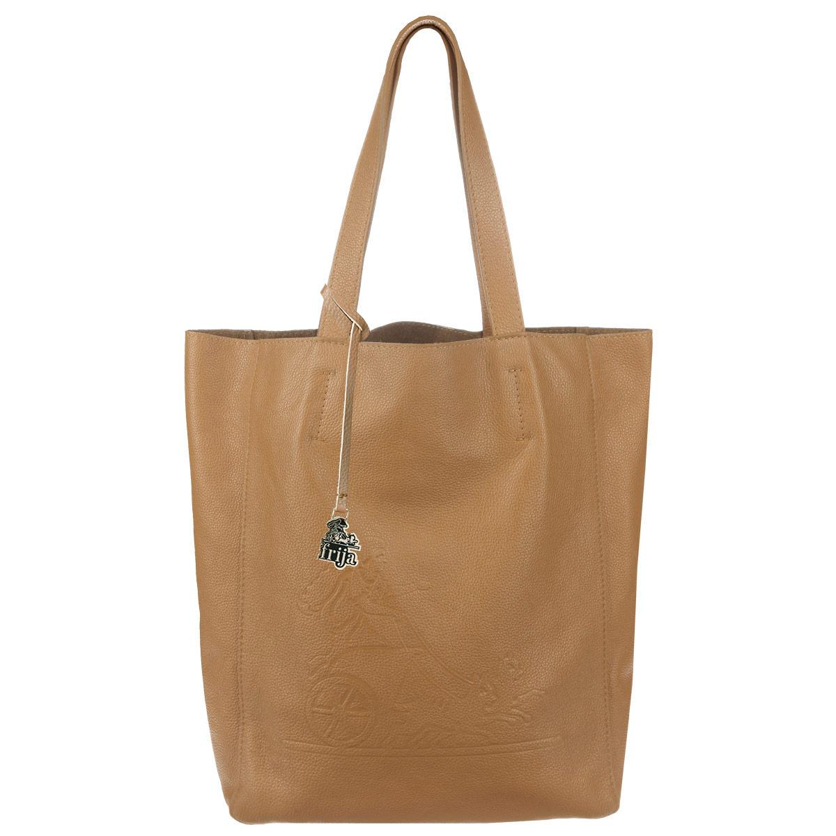 Сумка женская Frija, цвет: светло-коричневый. 21-0200-1321-0200-13Стильная и удобная женская сумка Frija выполнена из мягкой натуральной кожи с фактурной поверхностью. Лицевая сторона изделия оформлена оригинальным тиснением в виде логотипа бренда. Сумка имеет одно вместительное отделение, дополненное накладным карманом на застежке-молнии. Изюминка модели - текстильный вкладыш в главном отделении, который крепится к корпусу сумки при помощи кнопок, закрывается на удобную застежку-молнию. Внутри вкладыша - врезной карман на застежке-молнии. Сумка оснащена двумя удобными ручками, позволяющими носить её на плече. Изделие упаковано в фирменный чехол. Сумка Frija - это стильный аксессуар, который подчеркнет вашу изысканность и индивидуальность и сделает ваш образ завершенным.