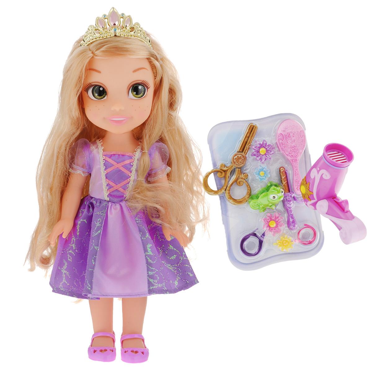 Disney Princess Игровой набор Easy Styles Рапунцель757220_РапунцельИгровой набор Disney Princess Easy Styles Рапунцель - это великолепный игровой набор, который непременно понравится любой девочке. Набор состоит из куклы героине популярного мультфильма Рапунцель и все необходимые аксессуары для создания стильного образа. Фен работает как настоящий от 1 батарейки напряжения 1,5 V типа ААА (не входит в комплект), а утюжок поможет создать красивые локоны. Модные заколочки завершат стильный образ. Игрушка изготовлена из высококачественных материалов. Кукла имеет большие не нарисованные глаза.