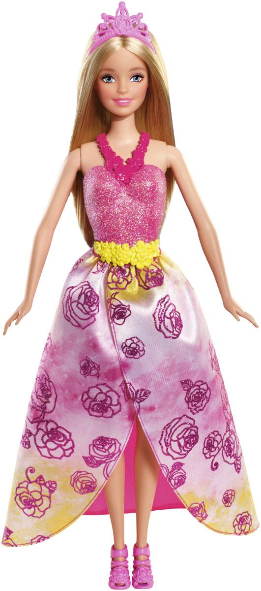 Barbie Кукла Принцесса цвет платья розовый желтыйCFF24_CFF25Кукла Barbie Принцесса непременно обрадует вашу малышку. Куколка с длинными каштановыми волосами одета в шикарный блестящий наряд с пластиковым снимающимся топом, на ножках - босоножки на высоком каблуке. Дополняет образ принцессы диадема. Головка, ручки и ножки Барби подвижны, что позволит придавать кукле различные позы. Одежда и аксессуары подходят всем куклам-принцессам, русалкам и феям (продаются отдельно). Можно воплощать привычных персонажей, а можно придумать новых: морскую фею, фею-принцессу, даже крылатую принцессу-русалку - кого потребует сюжет! Ваша малышка придет в восторг от такого подарка!