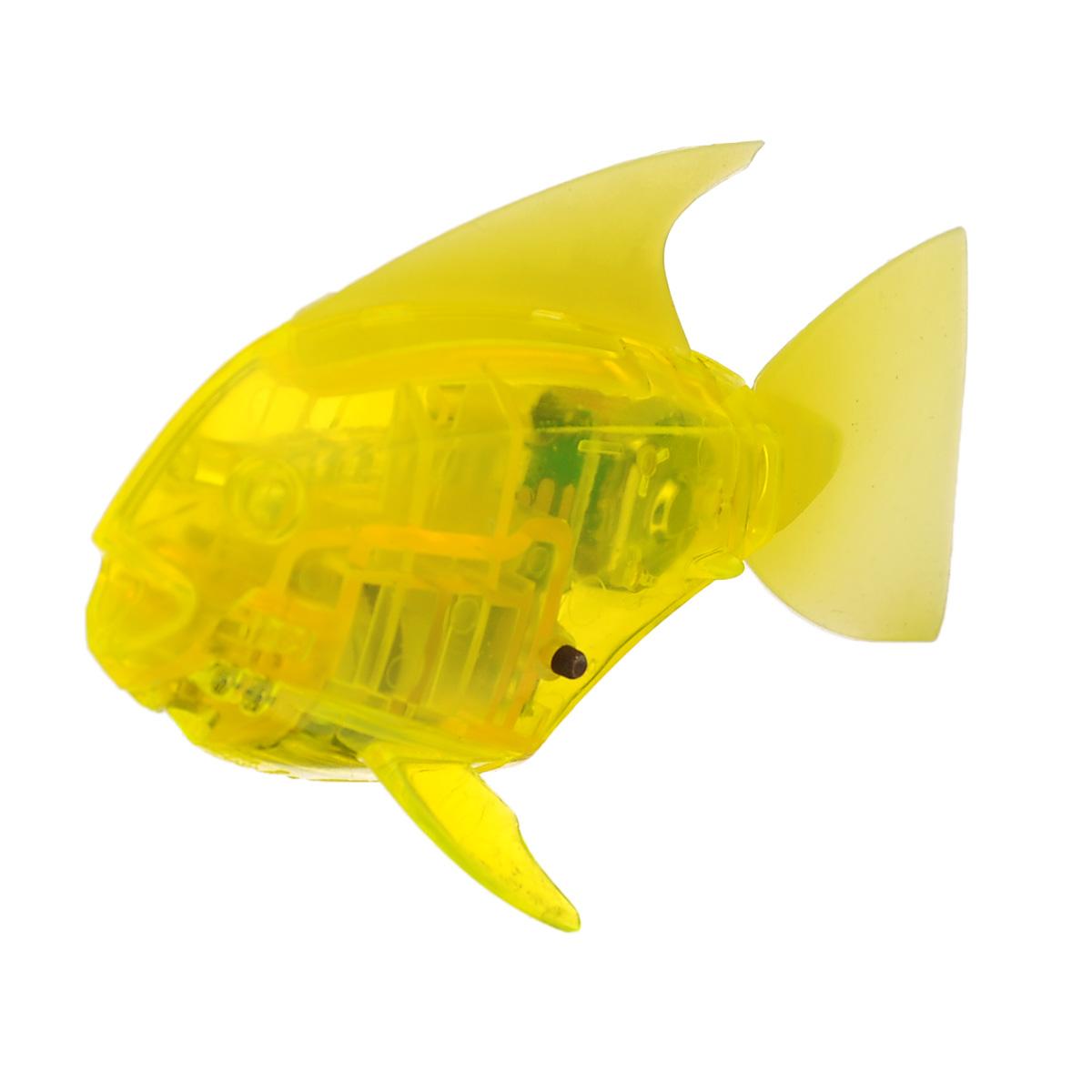 Микро-робот рыбка Hexbug Aquabot Angelfish, со световыми эффектами, цвет: желтый460-2976Уникальный микро-робот рыбка Hexbug Aquabot Angelfish изготовлен из безопасного пластика и выполнен в виде забавной рыбки. Теперь микро-роботы осваивают и водные глубины! Микро-робот рыбка Hexbug Aquabot Angelfish плавает как настоящая рыба и непредсказуем в направлении движения. Опустите его в воду и он оживет! Если микро-робот замер, то достаточно просто всколыхнуть воду и он снова поплывёт. Вне воды микро-робот автоматически выключается. Но и это еще не все, теперь микро-роботы рыбки оснащены световыми эффектами! Для работы игрушки необходимы 2 батареи типа LR44 (в комплекте 2 демонстрационные и 2 запасные батареи).